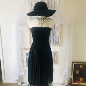 Chiffon Black Strapless dress
